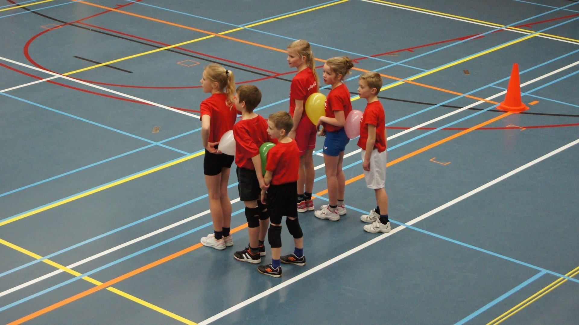 Ongebruikt ✓ De leukste gymspellen en sport spellen op beeld voor je gymles! MR-48